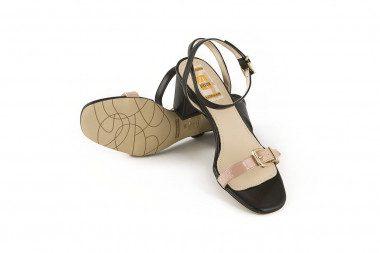 Extrasize chunky heel...