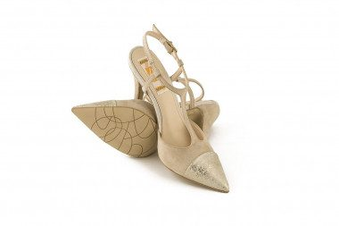 Extra size high heel pump 4...