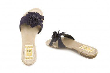 Suede slide on sandal 4 Passi