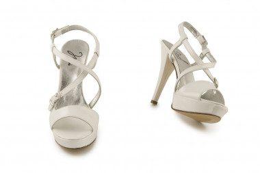 Sandalo vernice con plateau...