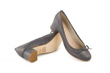 Vintage effect heeled...