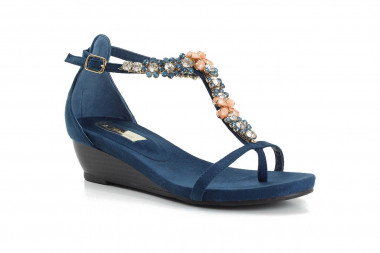Back zipped ankle strap...