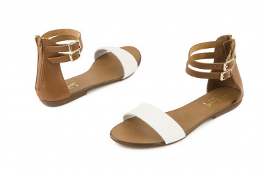 Leather sandal with back...