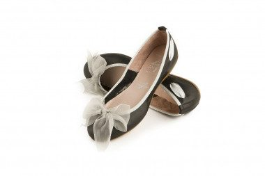 Tulle bow-detail leather...