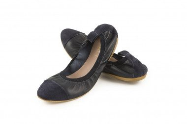 Soft leather ballet flat...