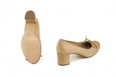 Heeled leather ballet flat...