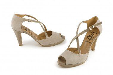 Criss-cross strap heeled...