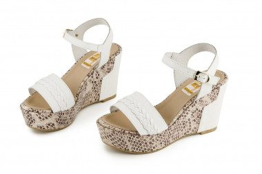 Woven leather high wedge...