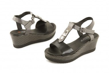 Wedge sandal with strap...