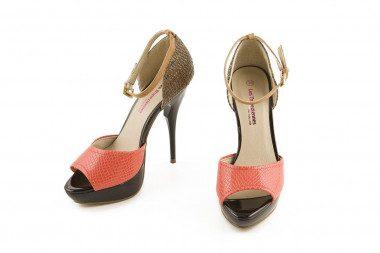 High heel sandal Les...