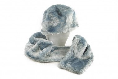 Faux fur scarf and hat set...