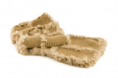 Knit scarf with rabbit fur...